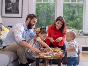 Activités amusantes pour une soirée en famille qui amènent le lien à un tout nouveau niveau