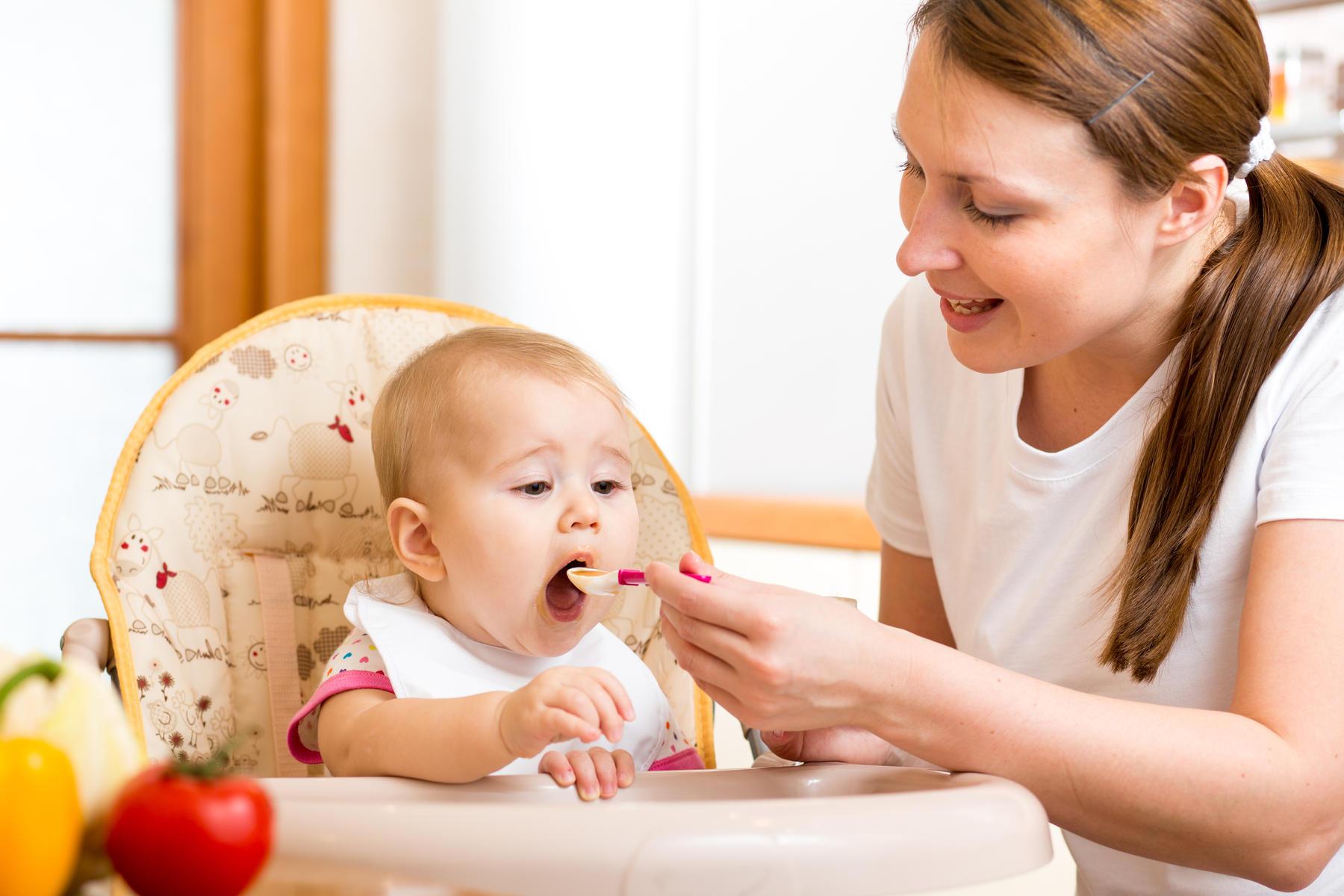 Alimentation des bébés : un guide pour la première année