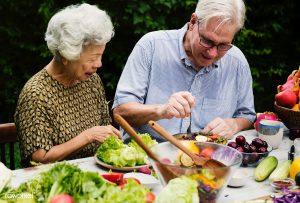 Régime biologique : pourquoi c'est bénéfique pour les personnes âgées ?
