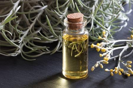 Comment l'huile essentielle d'hélichryse est utilisée pour la guérison ?