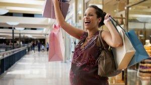 Quand acheter des vêtements de maternité ?