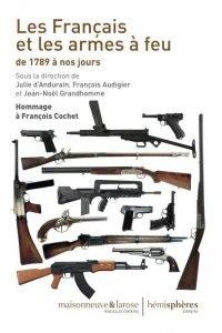 Des dizaines d'armes destinées aux extrémistes de droite en Allemagne ont été saisies en Autriche